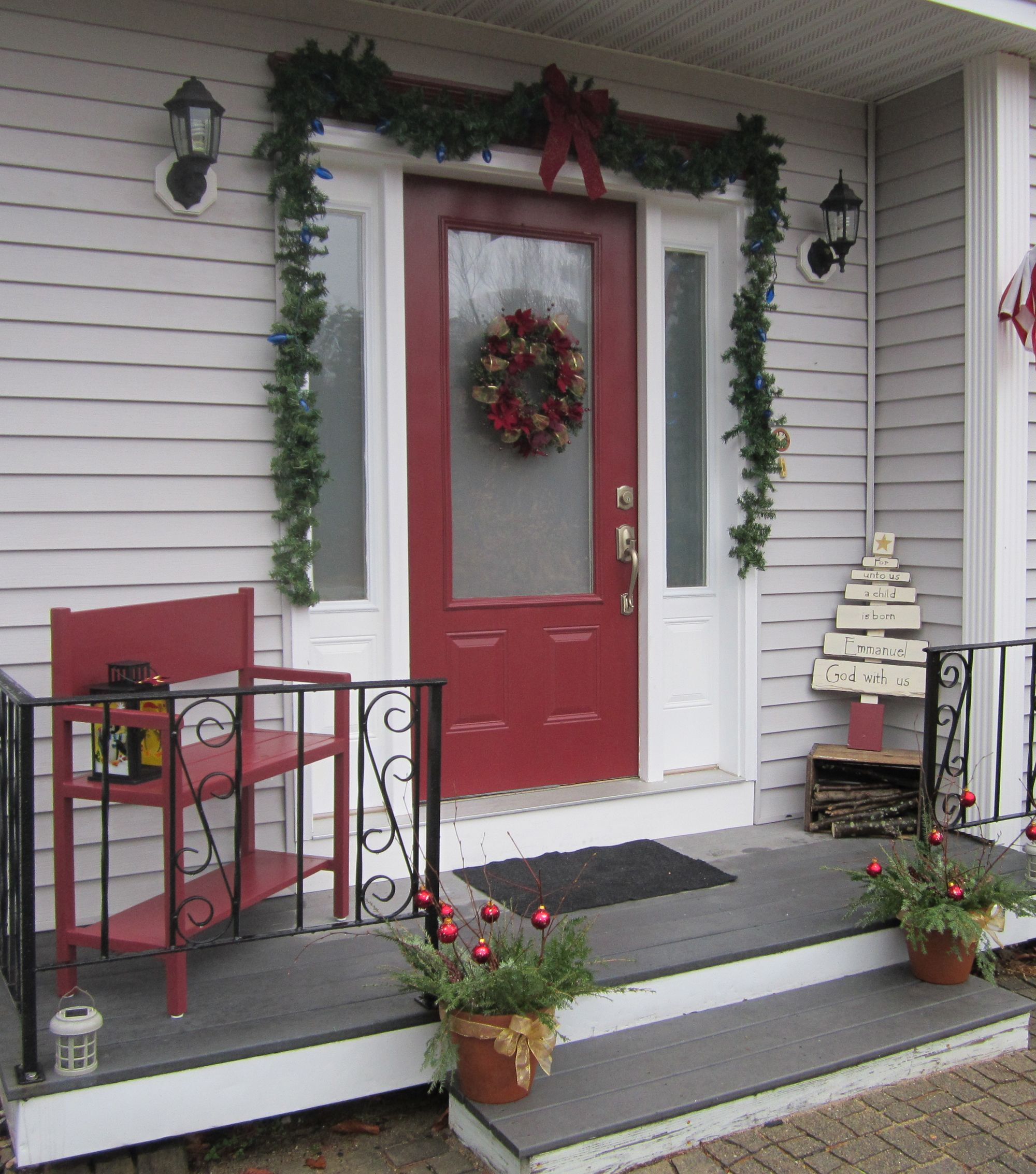 Christmas decoration ideas for a small house - Cheap Front Porch Decorating Ideas Fashionable Christmas Decor For Front Porch Picture 503