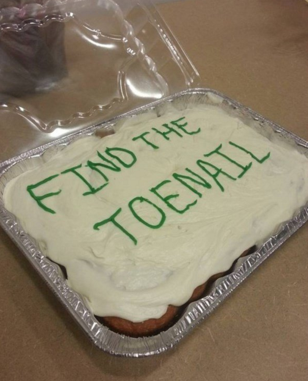 Just 16 Savage Cakes Cake Jokes Funny Cake Funny Birthday Cakes