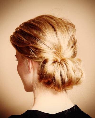 Wilder Chignon Frisuren Mittellanges Haar Hochstecken Lange Haare Frisur Hochgesteckt