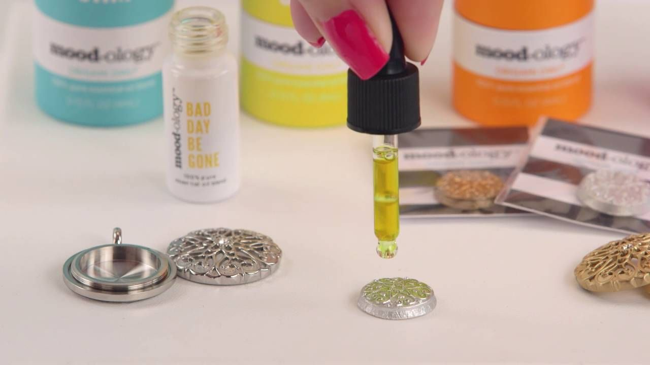 How to Add Essential Oil Blends to Your Mood Disc www.arleneslockets.origamiowl.com