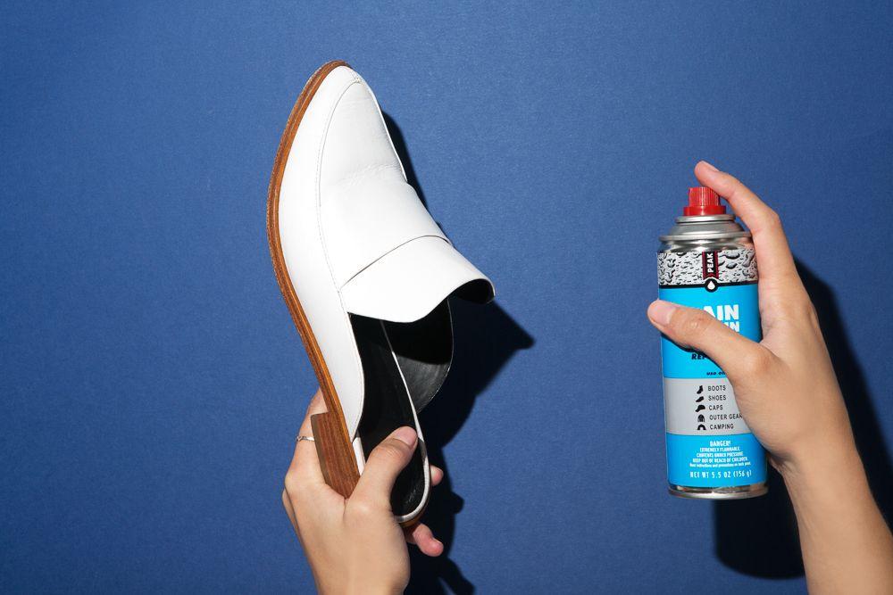 comment enlever une tache sur des chaussures en cuir trucs de nettoyage chaussure cuir. Black Bedroom Furniture Sets. Home Design Ideas
