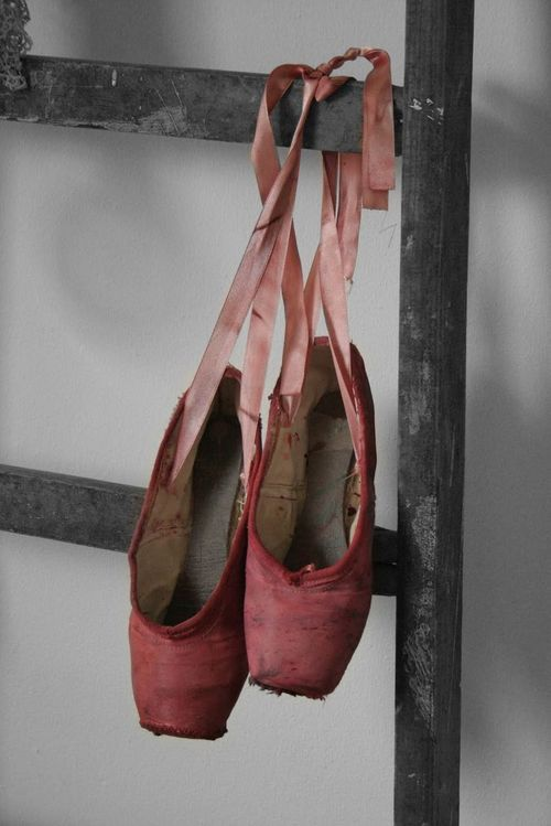 i'll never quite get over this. ever. pointe shoes. Crush Cul de Sac