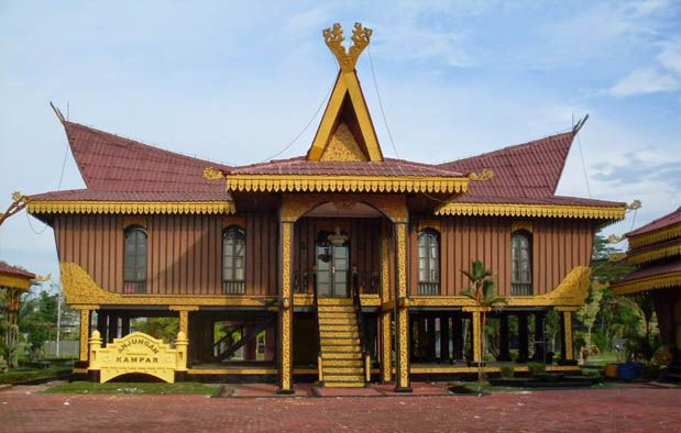 Rumah Adat Selaso Jatuh Kembar Riau Indonesia
