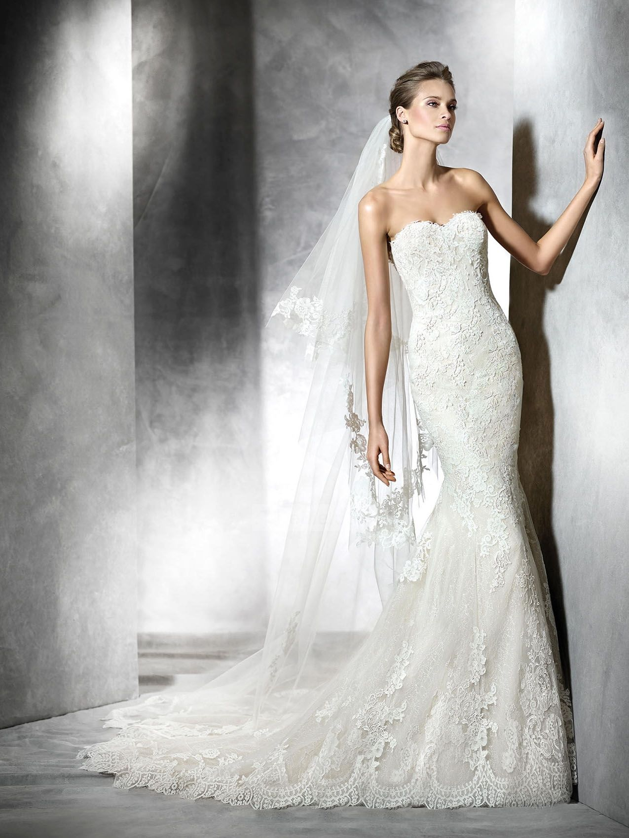 Fishtail wedding dress  Gorgeous Mermaid Strapless Sweetheart Lace Appliques Wedding Dresses