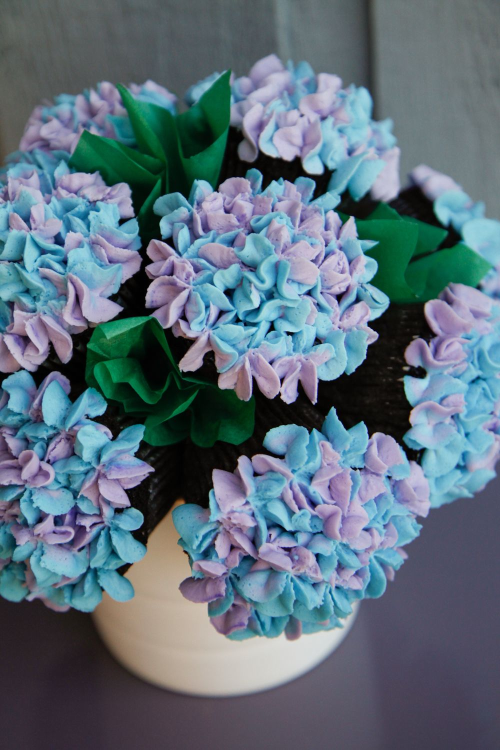 HYDRANGEA CUPCAKE BOUQUET - Using Glorious Treats\' hydrangea ...