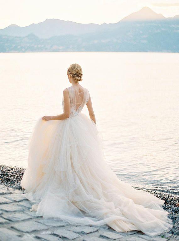 Tüll Brautkleid in Champagner Farbe mit offenen Rücken Spitze ...