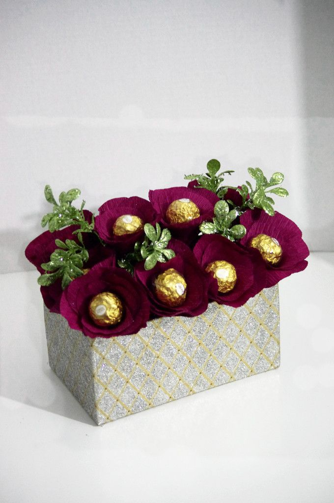 Ferrero Rocher Holiday Centerpiece Gifts Pinterest Gifts