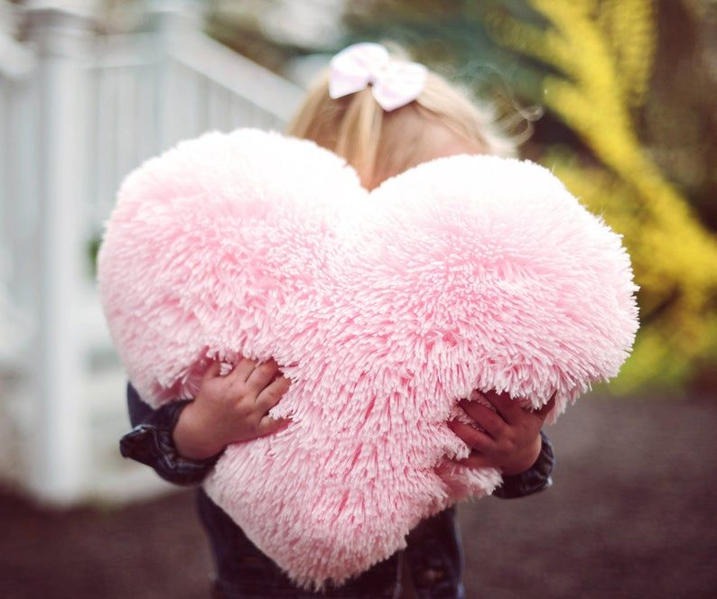 Fluffy Pink Heart Shaped Decorative Pillow Valentine S Day Etsy Cuscini Colorati Kool Aid Cuscini Decorativi