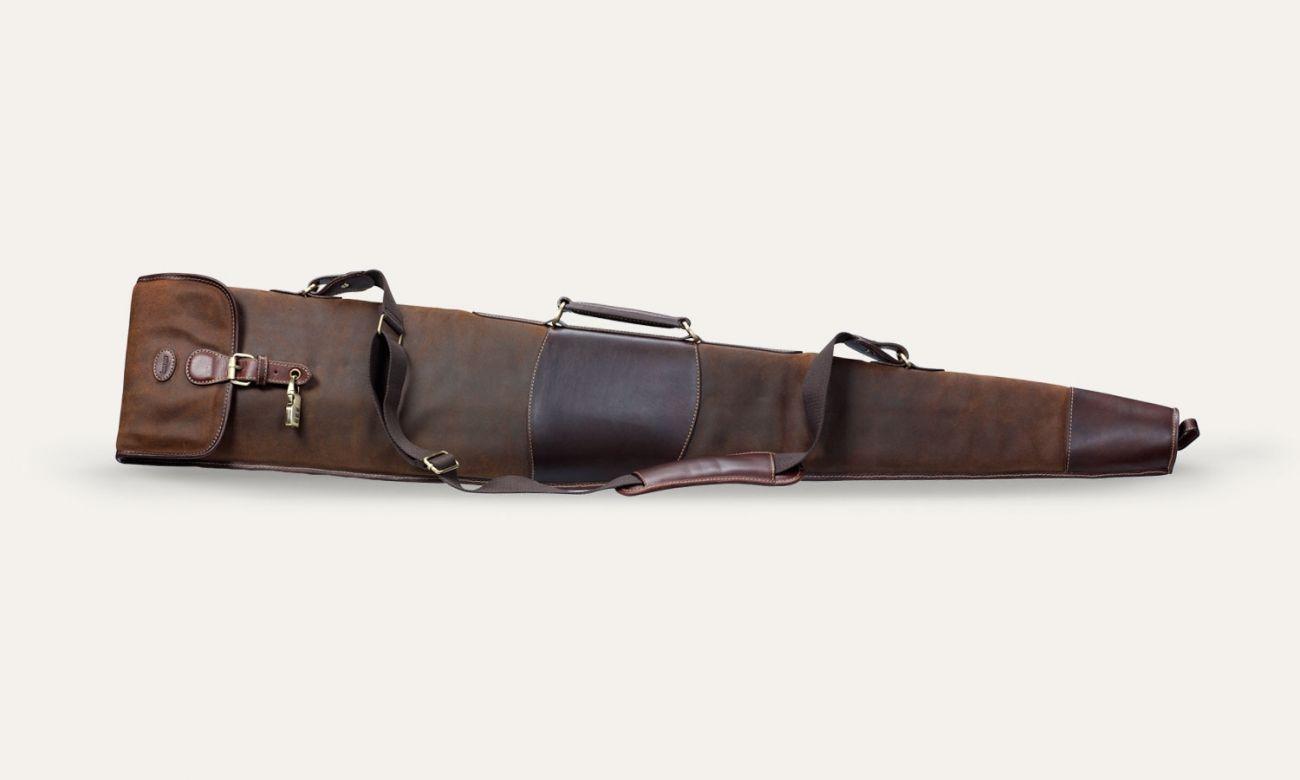 Baron shotgun sleeve http://baron.se/bags/shotgun-sleeve-brown-suede/