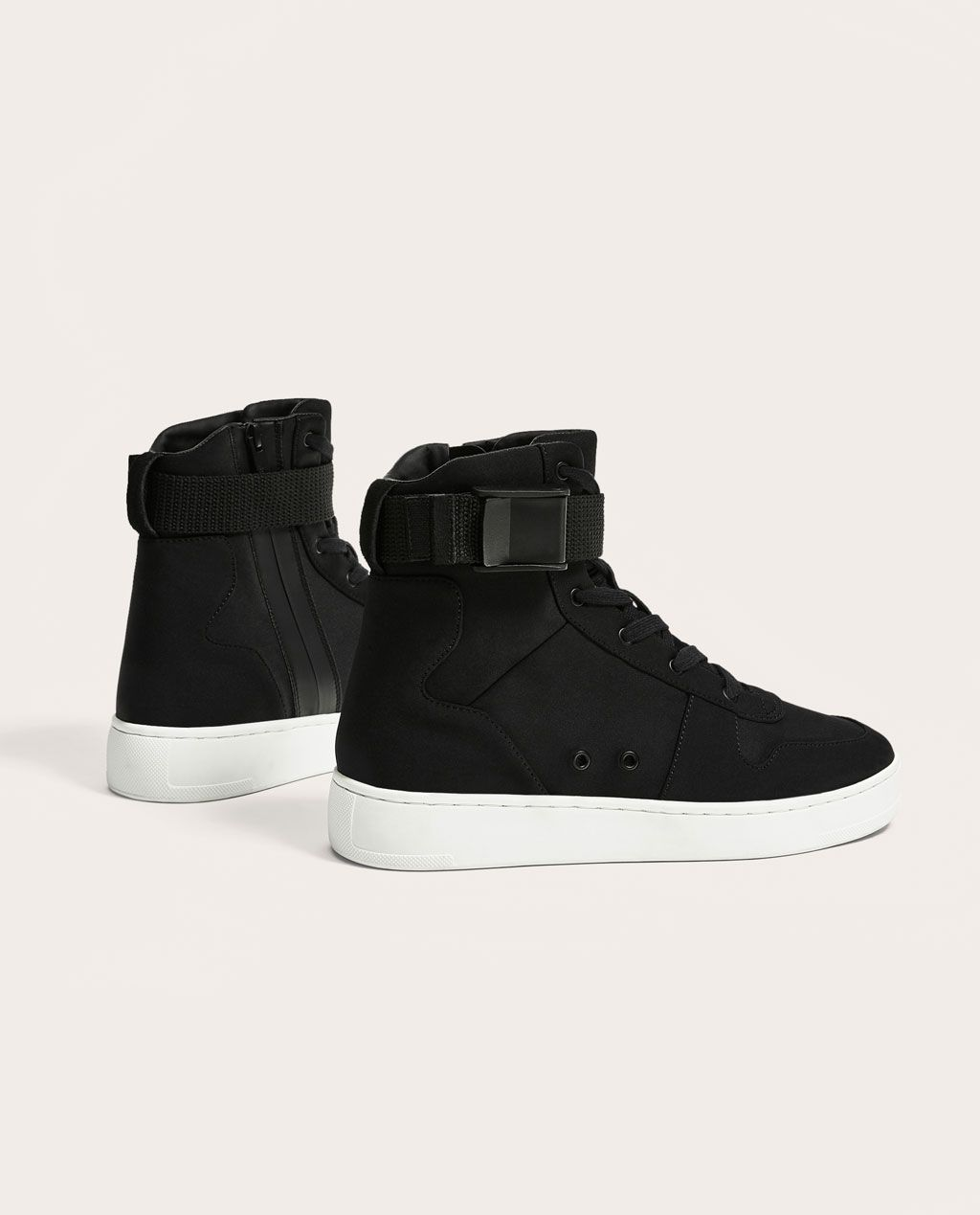 Image 1 de BLACK HIGH-TOP SNEAKERS de Zara | Chaussure pour ...
