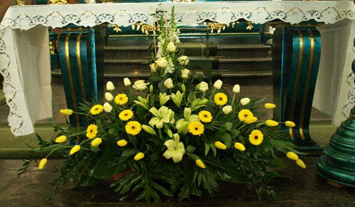 Dekoracje Wielkanocne Kościoła Szukaj W Google Floral