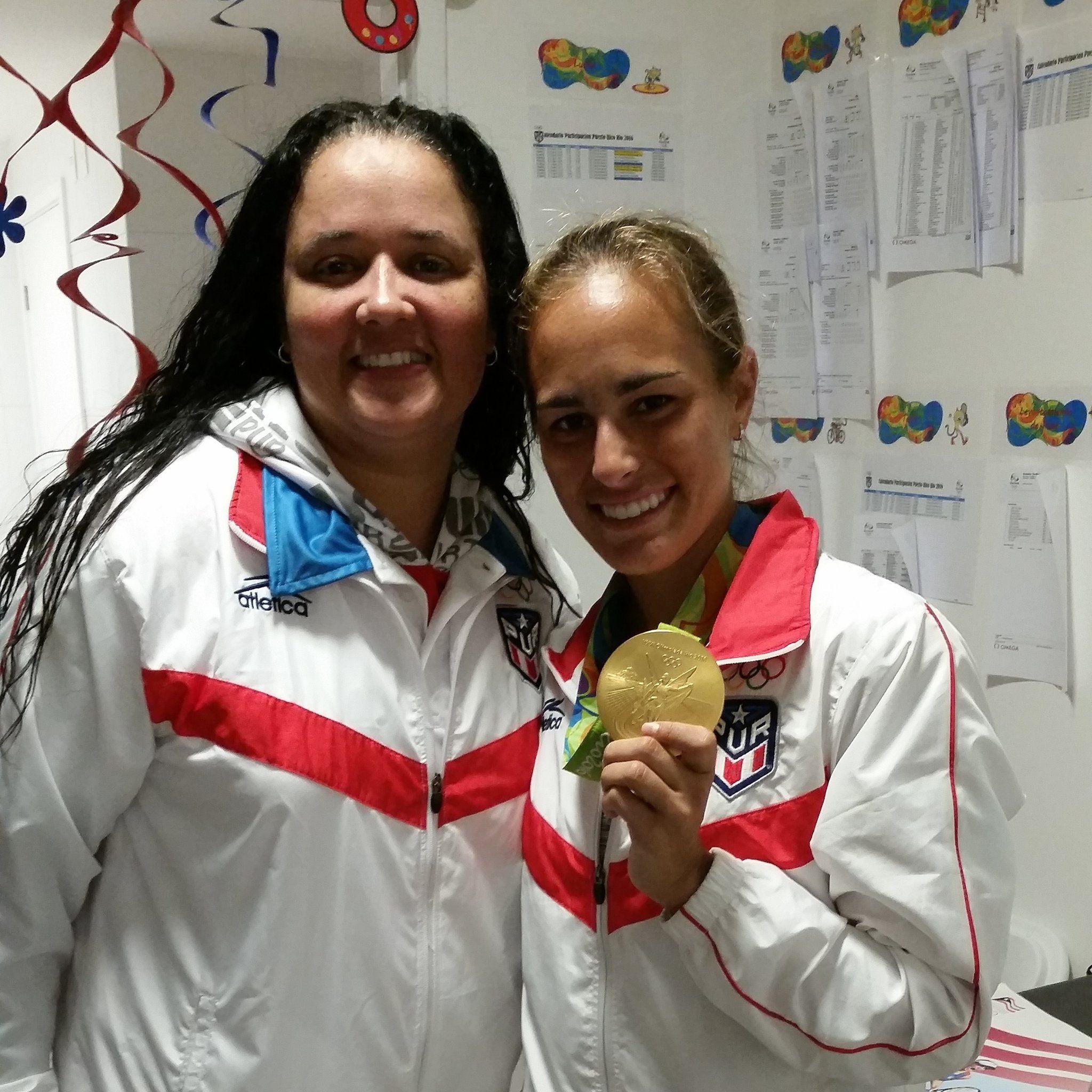 "Xiomara Molero on Twitter: ""Con la Campeona del  tenis Olimpico #RioOlympics2016. Nuestra @MonicaAce93, #PUIGNETA. Que Orgullo. https://t.co/NHUmWetO0f"""