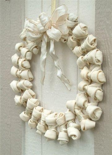Hundbenskrans - Wreath made of Dogbones