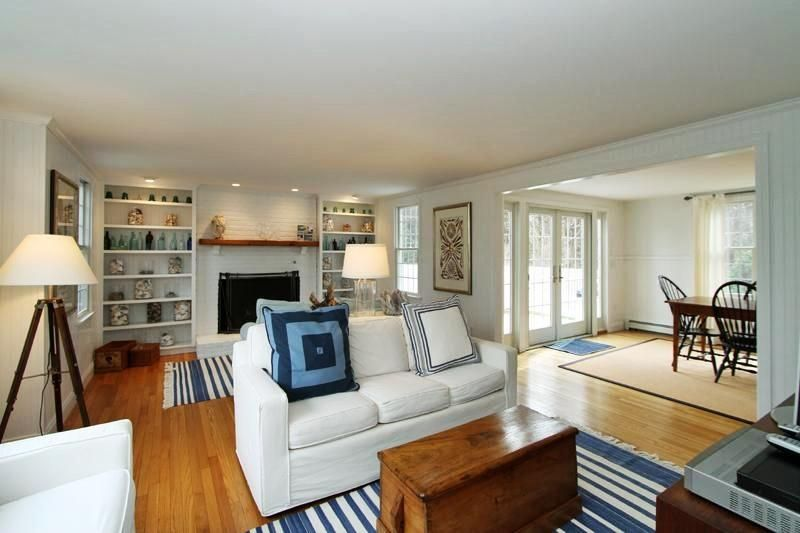 living room orleans cape cod vacation rental on weneedavacationcom id 23999