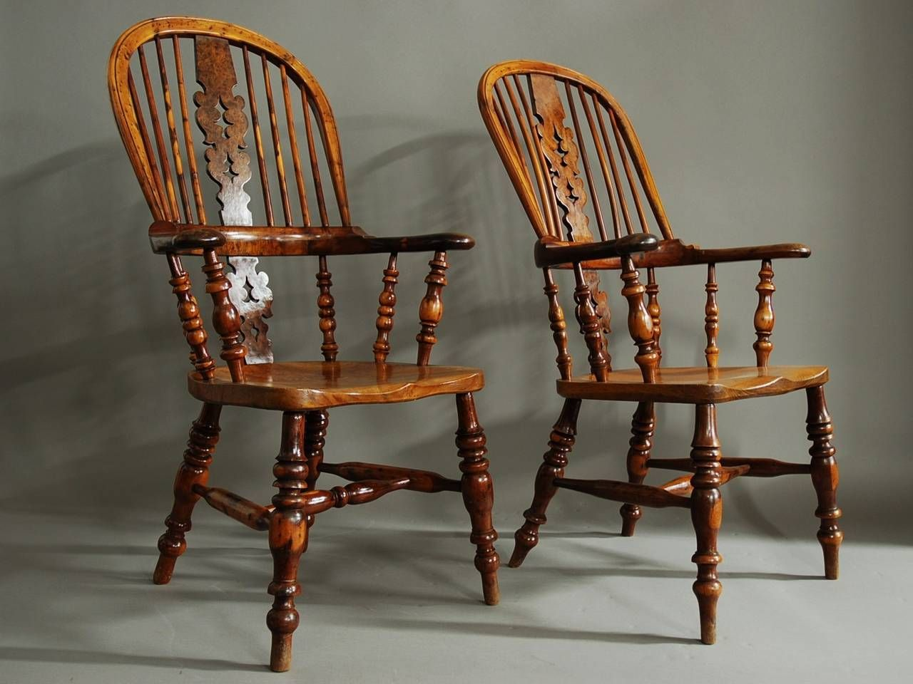 Pair Of Broad Arm Burr Yew Wood High Back Windsor Chairs 1stDibs