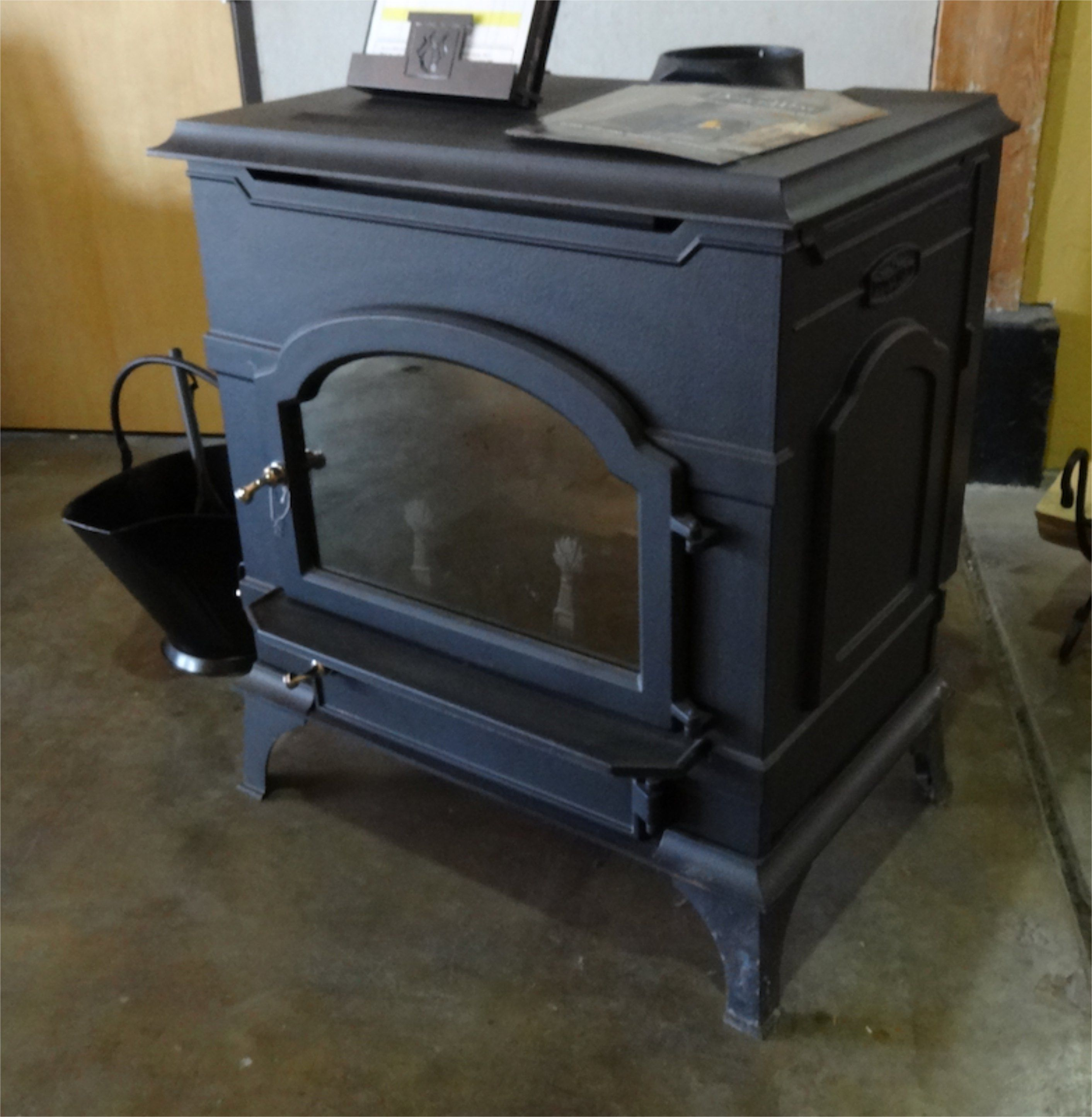 Great Wood Stove Just Be Sure To Lift With Your Legs Stove