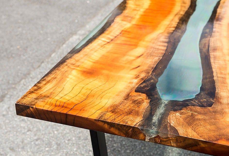 Anleitung: Epoxidharz Tisch aus Holz selber machen