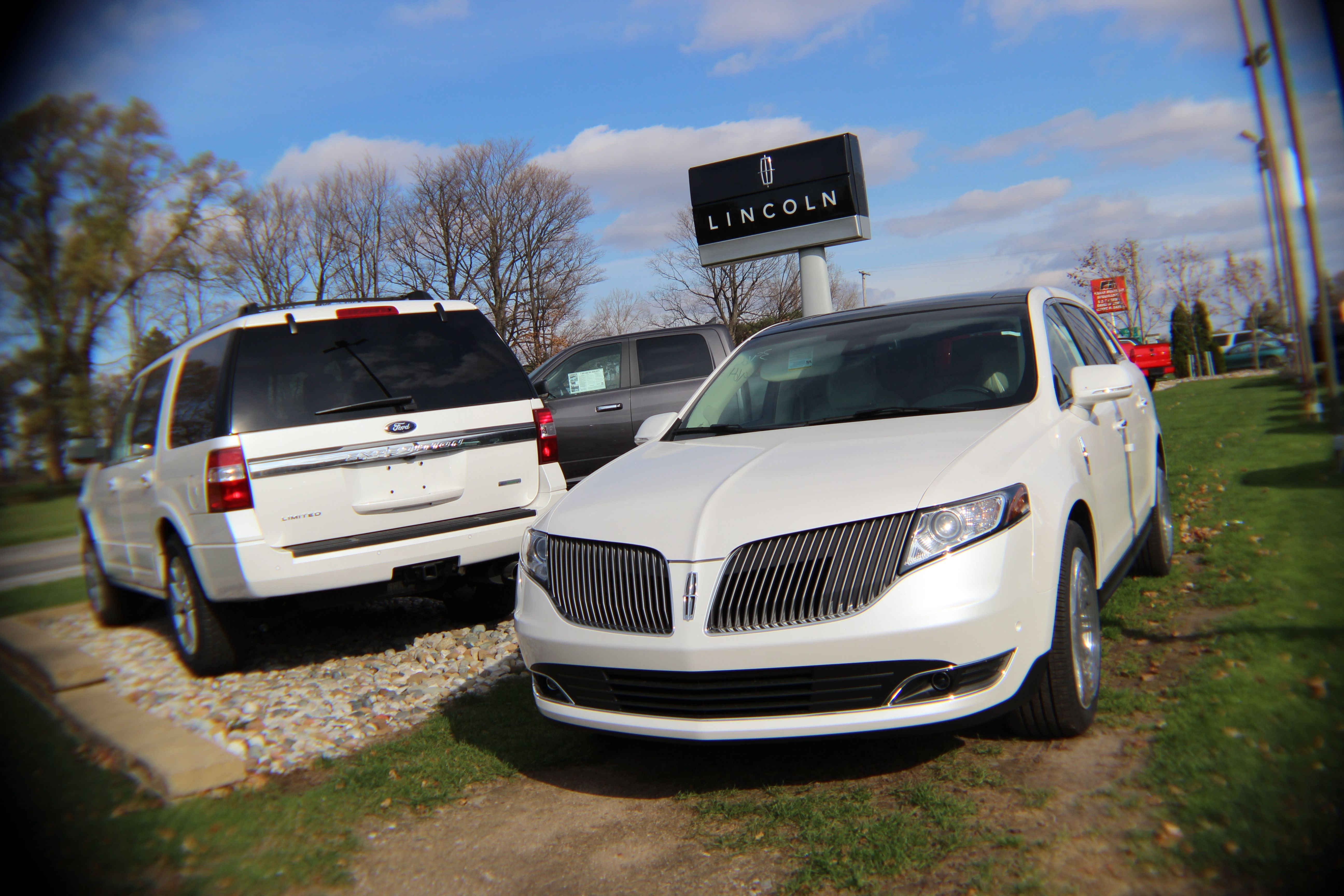 black mkt town sale car inventory lincoln limousine inch for