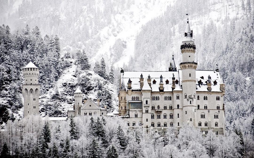 Schloss Neuschwanstein Germany In The Winter Bucketlisttravelclub