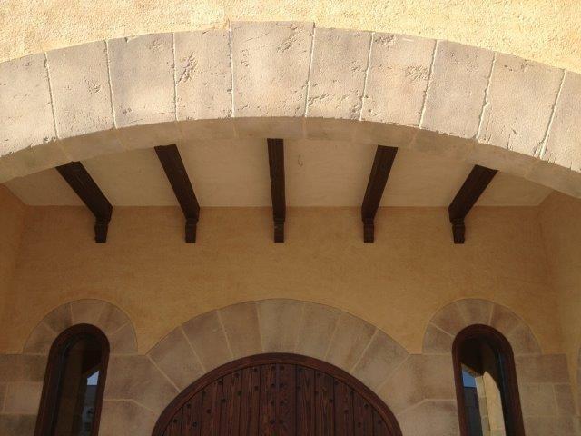 arcada tallada con piedra artificial