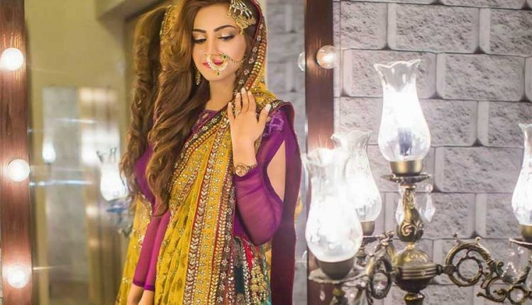 Mehndi Outfits 2018 : Exclusive pakistani bridal mehndi dresses by