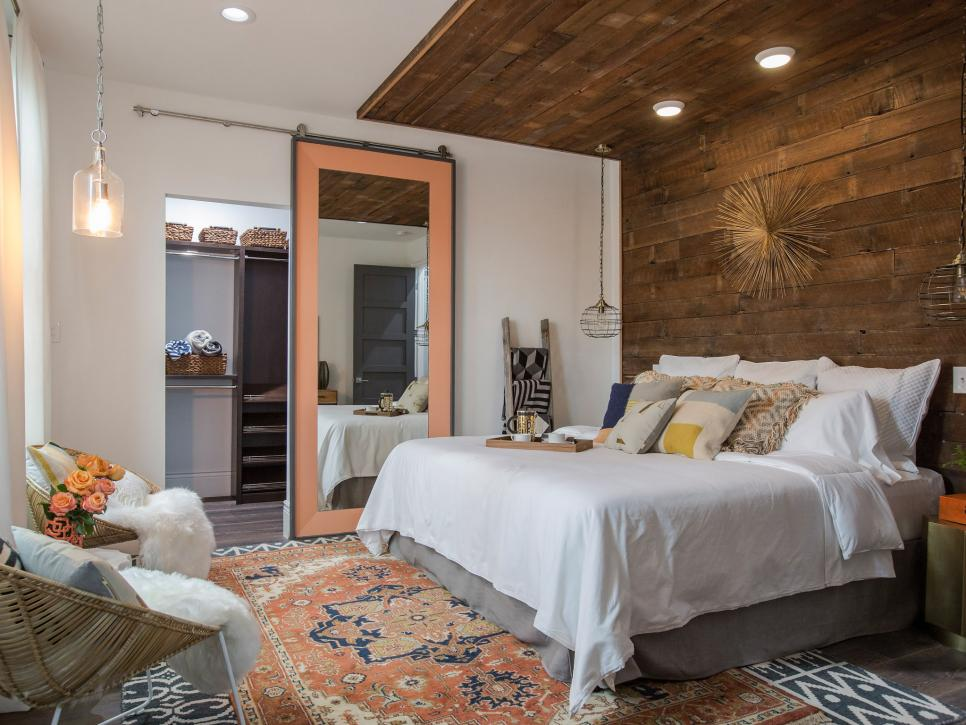 30 Hgtv Bedroom Makeovers Hgtv With Images Luxury Bedroom