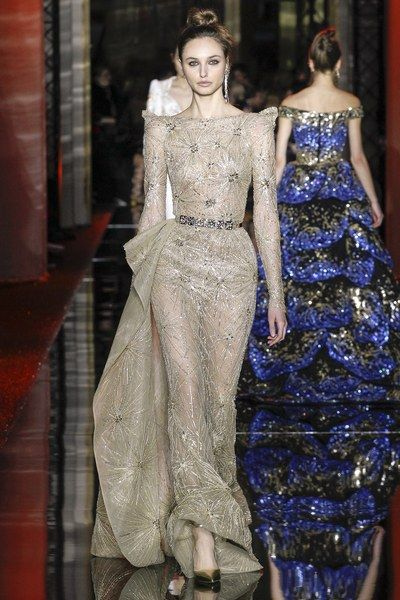 See the complete Zuhair Murad Spring 2017 Couture collection.