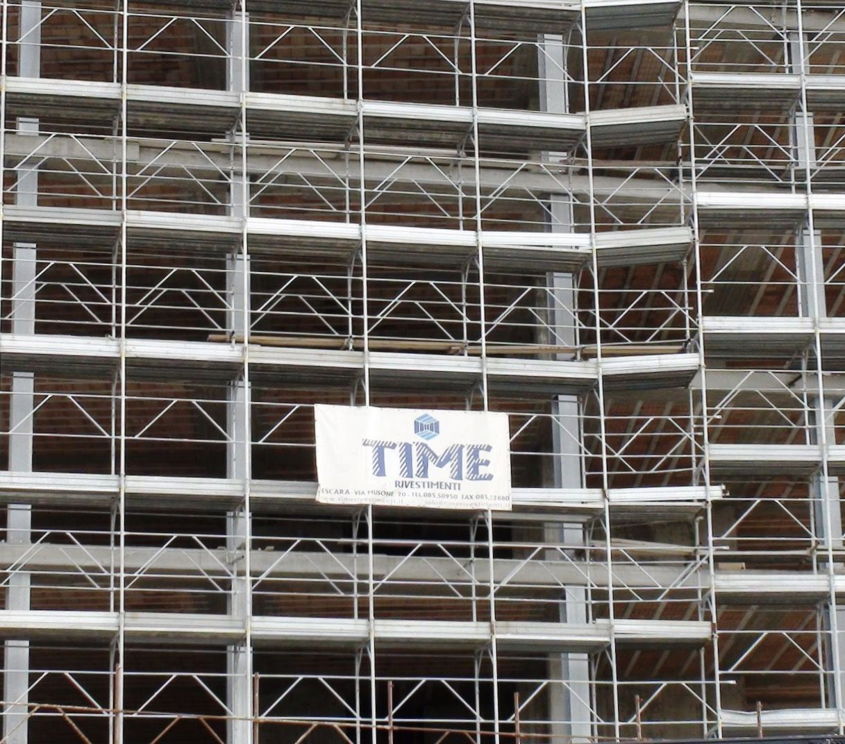 La time rivestimenti fornisce materiali edili per interni for Ristrutturazioni interni roma
