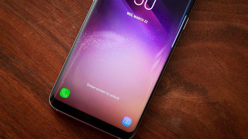 سلبيات سامسونج جالاكسي S8 و S8 Plus موقع حساس وقارئ البصمة قديم بيكسبي محدود ايجابيات سامسونج جالاكسي S8 و S8 Plus تقييم هاتف س Samsung Samsung Device Galaxy