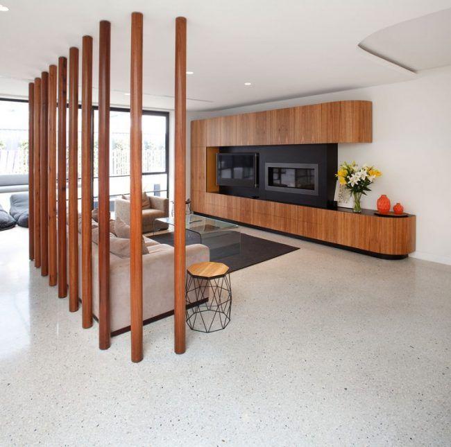 estrich-bodenbelag-modernes-wohnzimmer-holzsäulen-designestrich ...