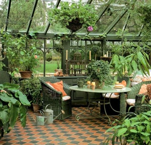 Une orangerie dans le jardin | Vérandas | Jardin d\'hiver ...