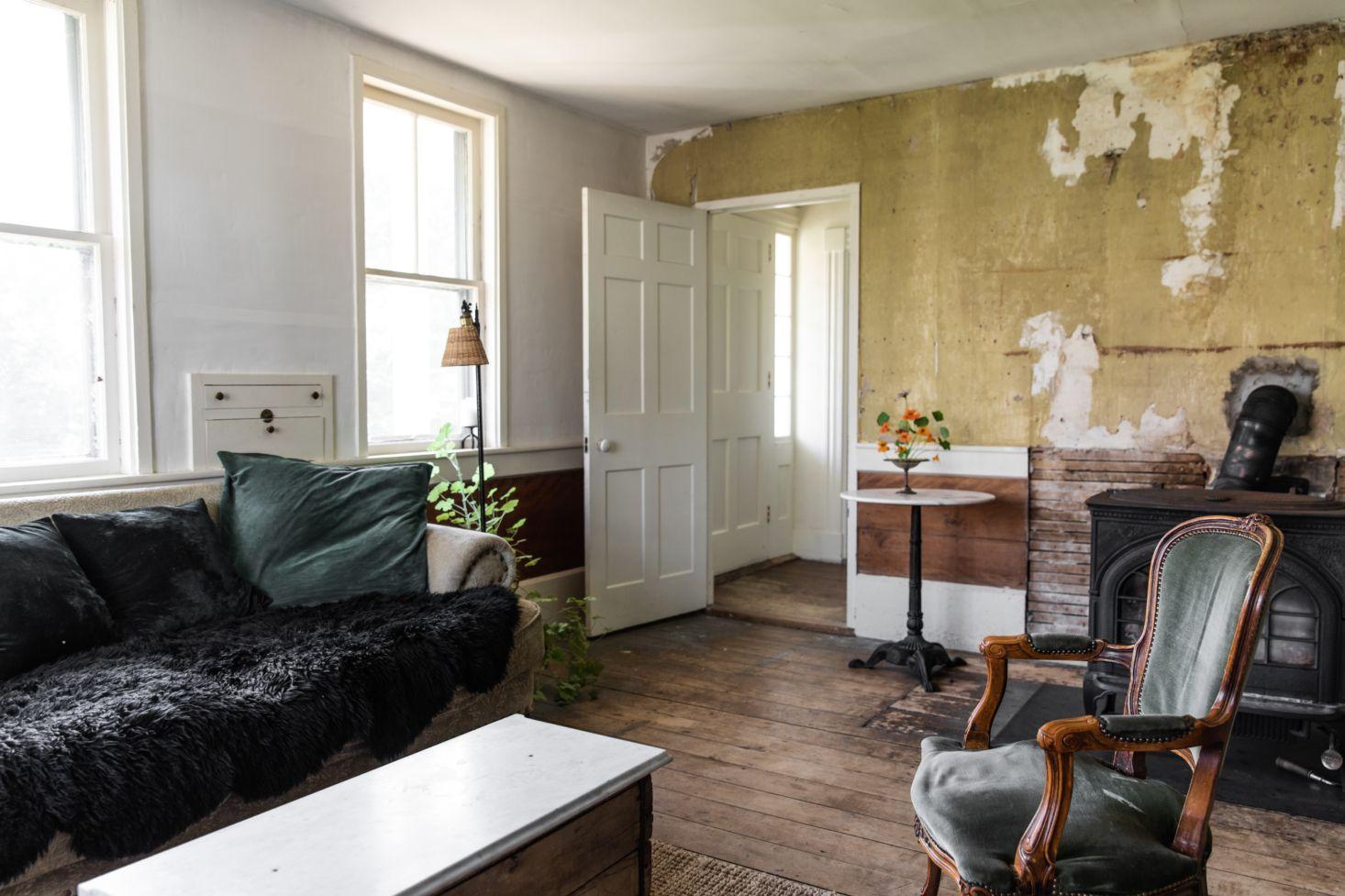 The House That Craigslist Built: A Bare