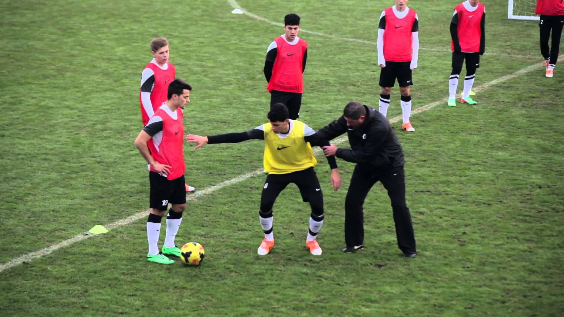 Nike Academy: Defending: Body Position | soccer | Soccer ...