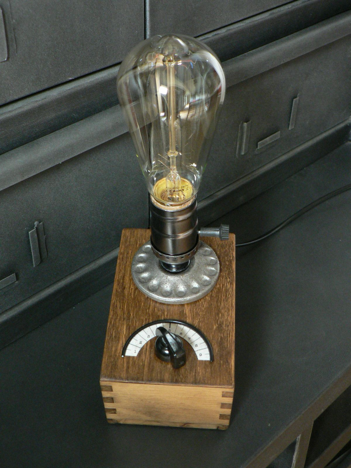 Fabriquer Une Lampe Style Industriel lampes steampunk edison | cool lamps, rustic lighting