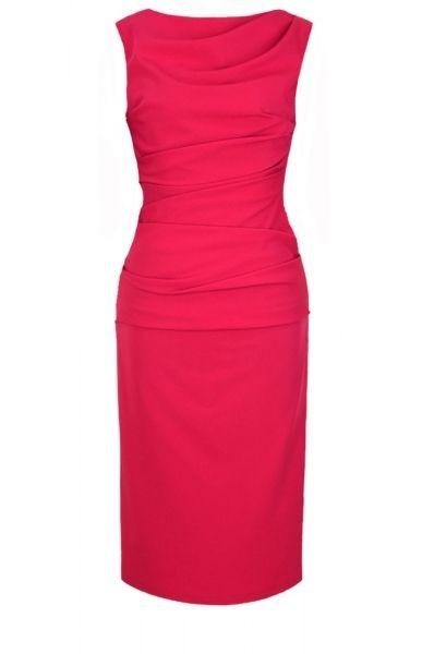 71e6c7b0d34 Glissez-vous dans cette robe fourreau rouge très chic pour être la reine de  la soirée!