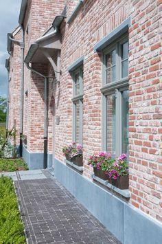 ©Vande Moortel www.vandemoortel.be Oud Kwaeremont – #dachfenster #Kwaeremont #M… – Landhaus ideen – Haus