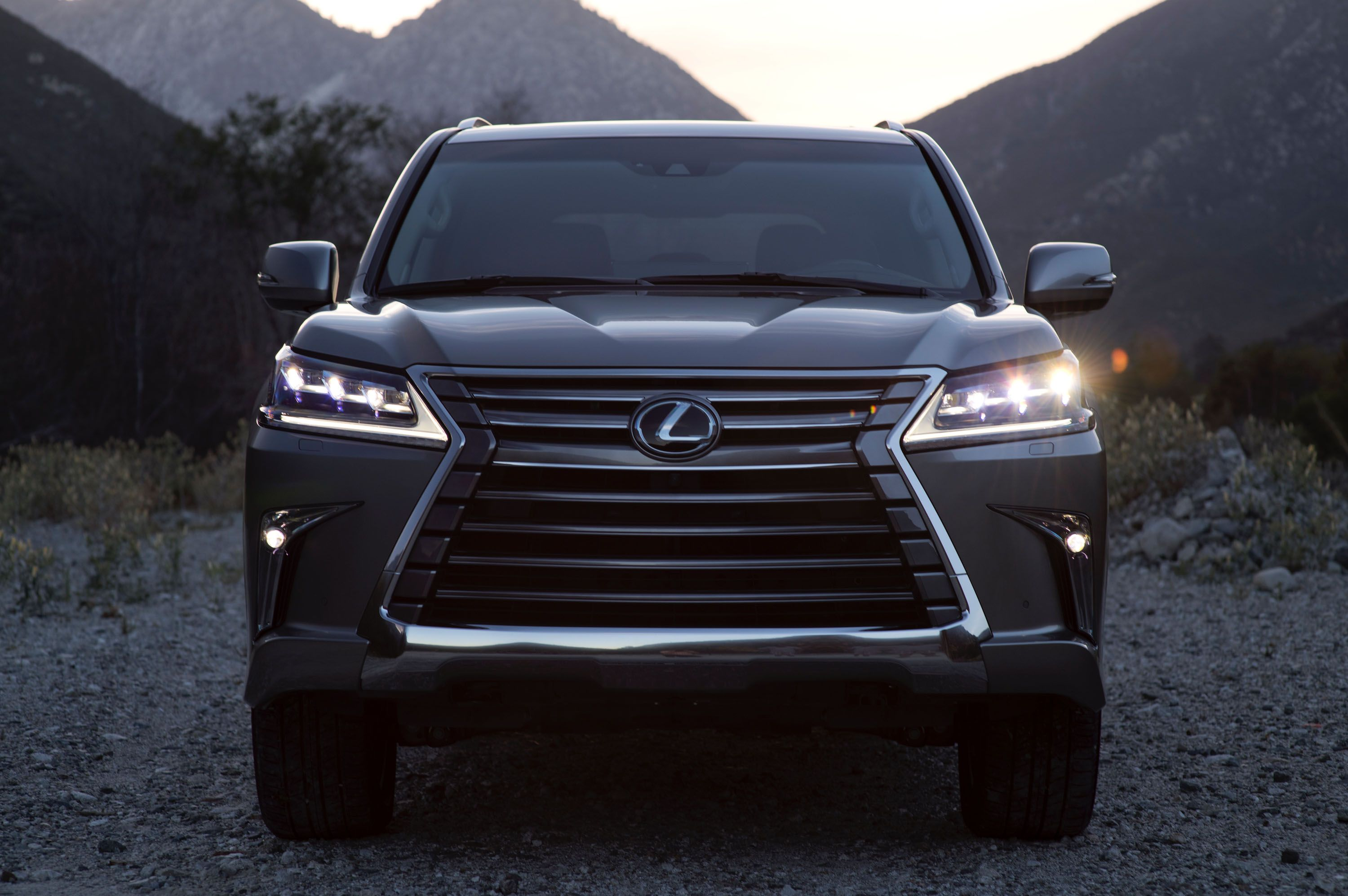 Stick shift 10 things to love about the 2017 lexus lx 570