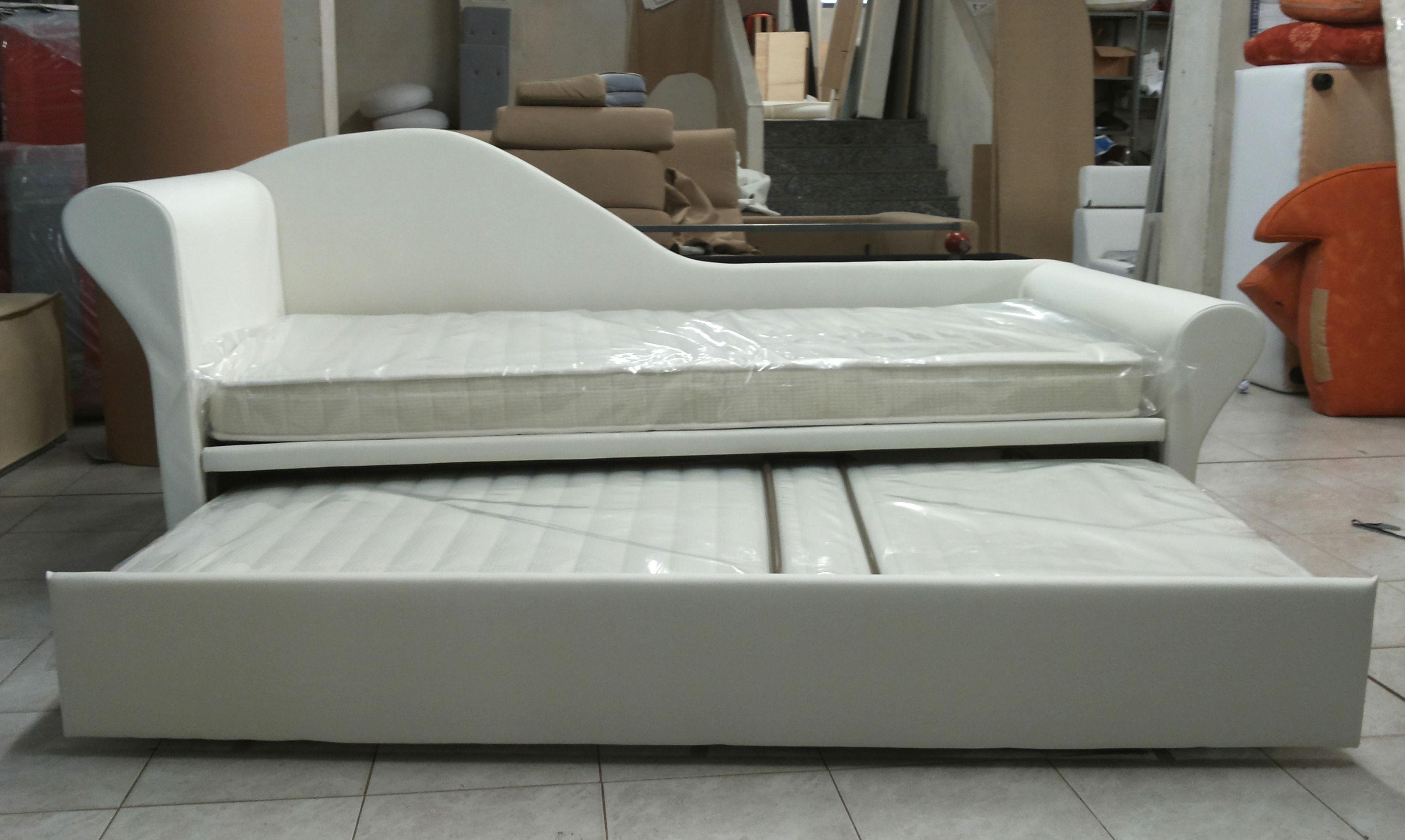 Doppio letto in versione chaise longue riposati con for Doppio letto estraibile