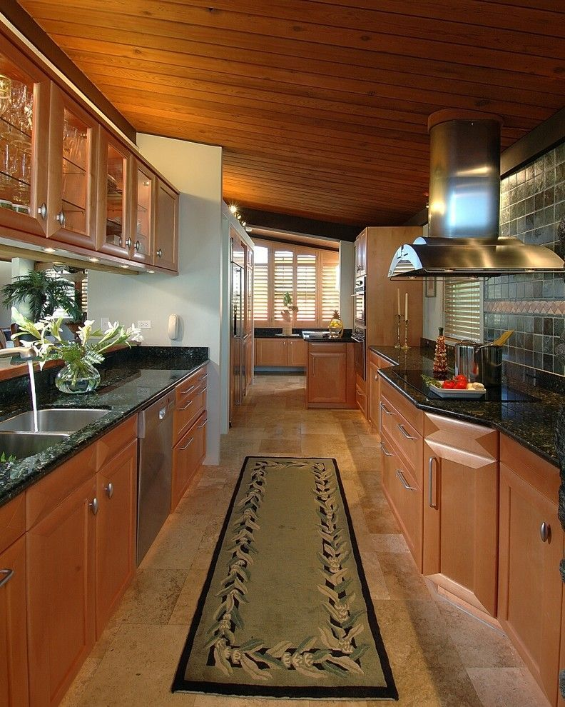 Galley Kitchen Remodel Ideas (Small Galley Kitchen Design, Makeovers, and Plans) #galleykitchenlayouts galley kitchen remodel ideas | galley kitchen remodel ideas layout | galley kitchen remodel ideas small | galley kitchen remodel ideas countertops | galley kitchen remodel ideas floor plans | Galley Kitchen Remodel Ideas | Galley Kitchen Remodel Ideas | #galley #kitchen #remodel Right now galley kitchens are prevalent in an apartment or small home. Galley kitchen remodel ideas must be efficient #galleykitchenlayouts