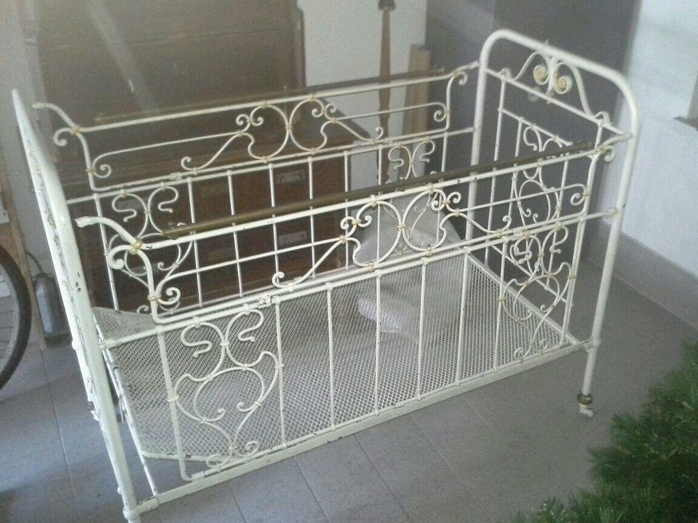 antikes kinderbett metall shabby bett altes metallbett. Black Bedroom Furniture Sets. Home Design Ideas