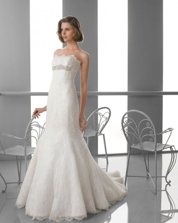 107 FAMA / Wedding Dresses / 2013 Collection / Alma Novia (Shown without Straps)