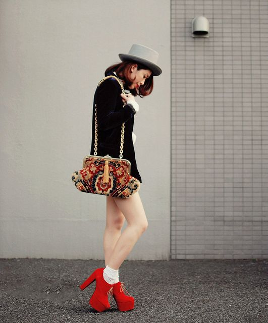 sexy top hat by tinytoadstool by shan shan, via Flickr