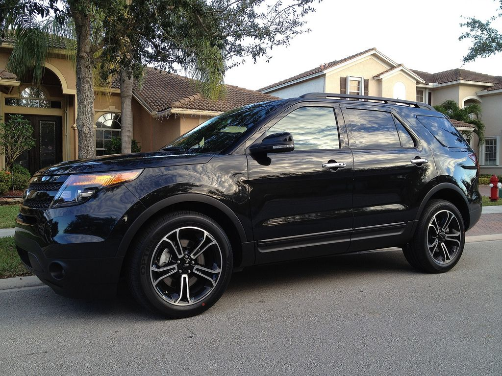 Ford Explorer Sport Black 2014 I Literally Just Need This In My