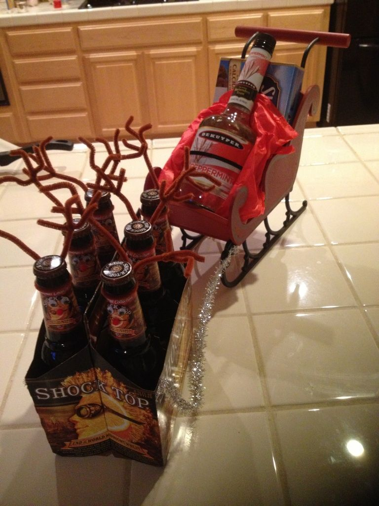 6 Pack Reindeer Sleigh With Bottle Of Liquor Or Wine So Cute Christmas Alcohol Gifts Christmas Ideas Gifts Liquor Gifts