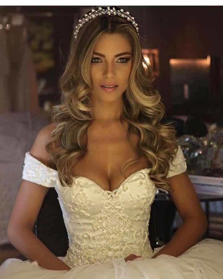 Pin By Sonia Moreira On Wedding Dresses Hairdo Wedding Bride