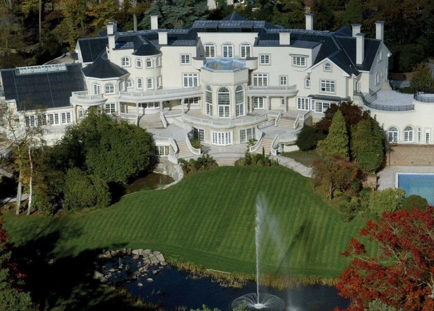 Top 10 Biggest Houses In The World Expensive Houses Celebrity