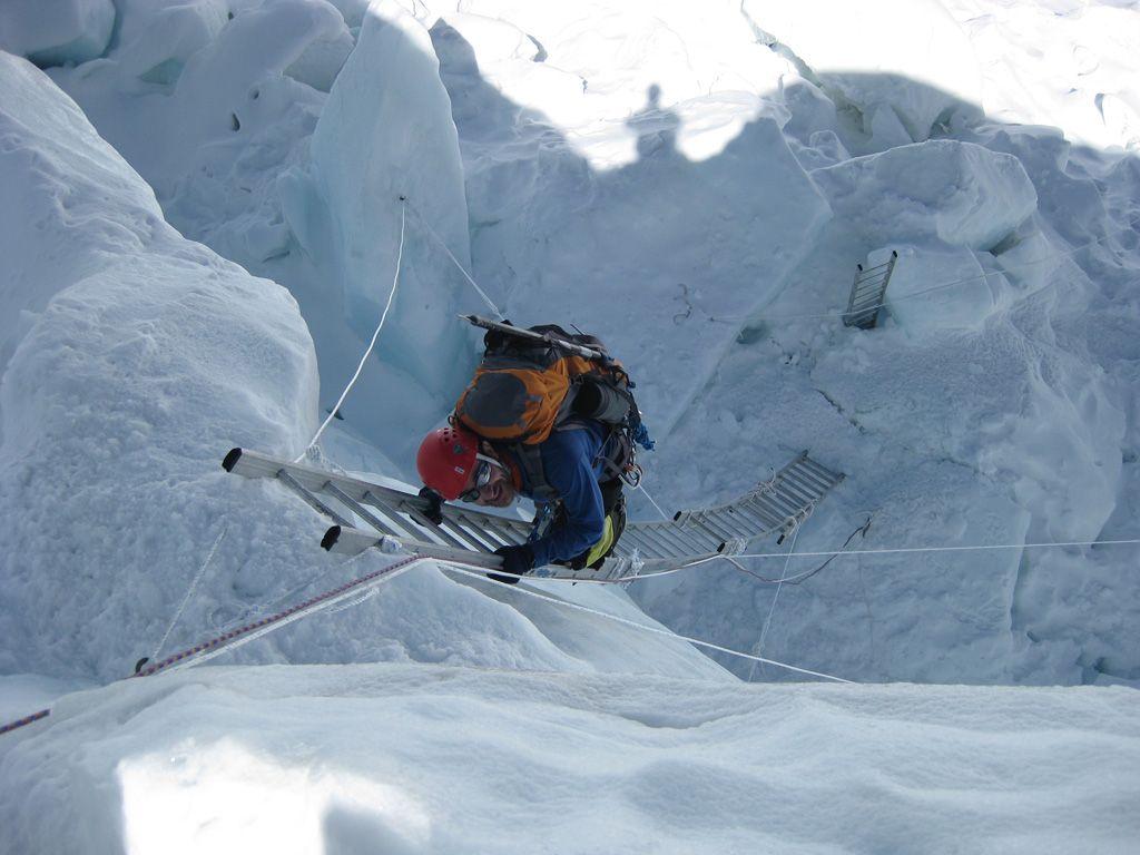 Ice Fall Wallpaper Climbing Everest Climbing The Steep And Treacherous