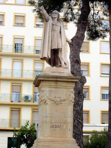 Estatua De Cristóbal Colon En Cartagena (Murcia, España