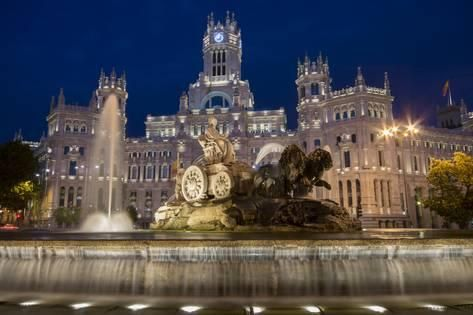 Photographic Print Fountain And Plaza De Cibeles Palace