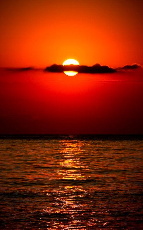 The Ocean At Sunset Red Sunset Sunrise Sunrise Sunset